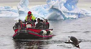 Arctic-Polarcirkel-boat-pen