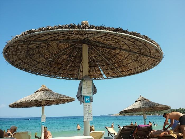 umbrelute-plaja
